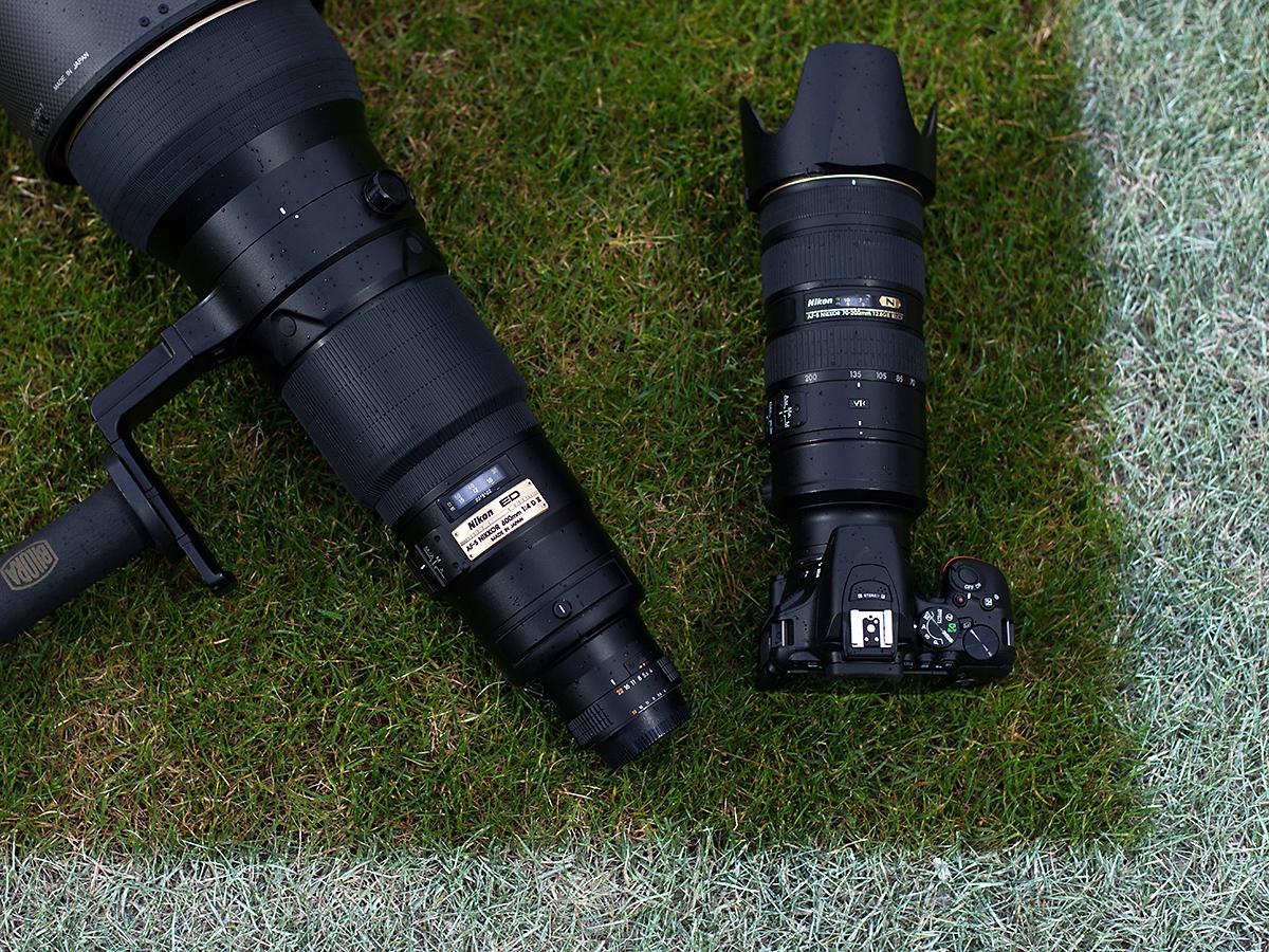 Nikon D5500 und Nikon AF-S 70-200 VRII, daneben AF-S 600 f/4 II